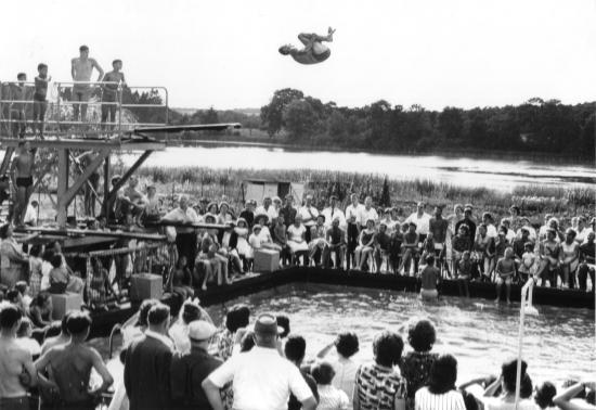 10 255 nageurs fete nau g huss aout