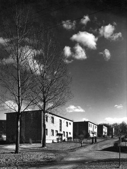 Maisons rue en pente